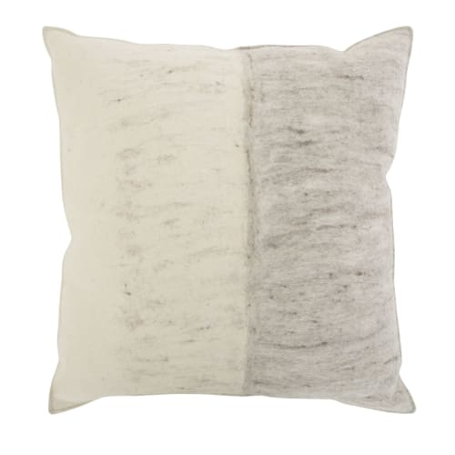 Pillows by M&Otto Design seen at Private Residence, Haarlem - Doris Pillow