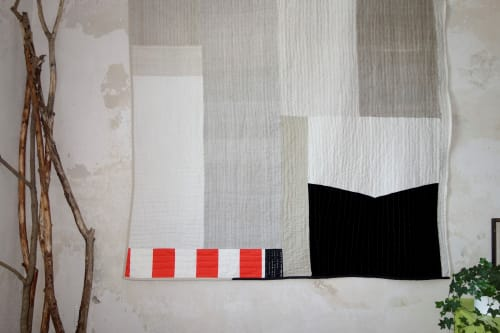 Art & Wall Decor by DaWitt seen at Farbenfabrik, Leipzig - Black white linen quilt