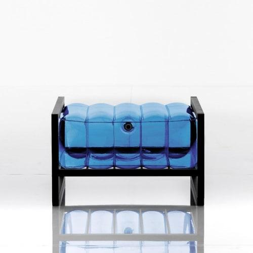EKO YOKO BLACK WOOD / POUFFE | Chairs by MOJOW