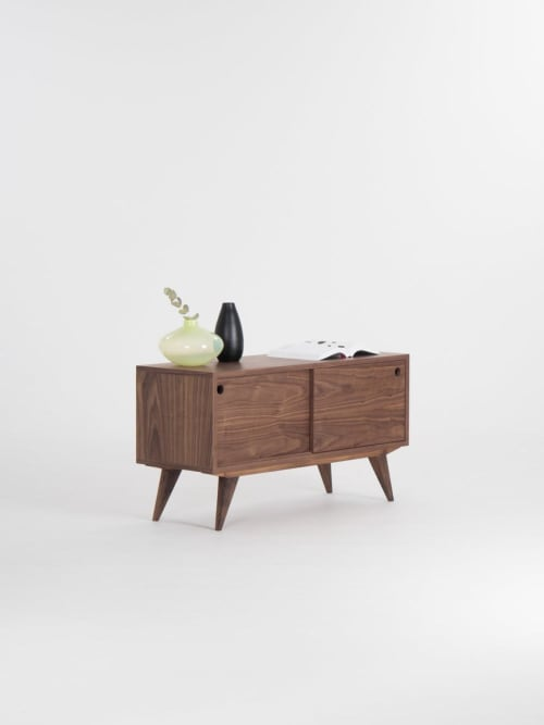 Furniture by Mo Woodwork seen at Creator's Studio, Stalowa Wola - Media cabinet made of walnut wood, record player stand