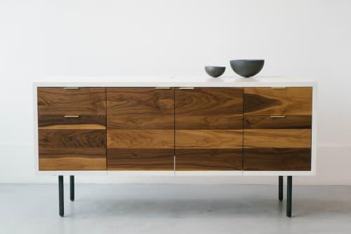 Furniture by Last Workshop seen at Private Residence, Philadelphia - Deskenza
