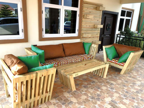 Couches & Sofas by STRIPESCRAFT seen at Private Residence, Tema - V LOUNGE