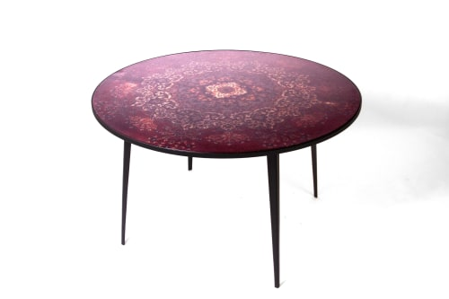 Tables by Ruben van Megen seen at Mint, London - Round dining table Café 6116
