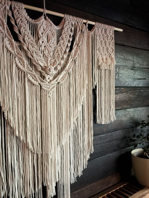 Macrame Wall Hanging by CJ seen at Hako Ramen am Boxi, Berlin - Wall Hanging