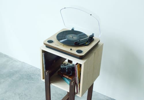 Floating Squares Side Table   Tables by THE IRON ROOTS DESIGNS   Private Residence - Pearl District, Portland in Portland