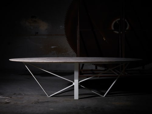 Tables by HAVANI seen at Private Residence, Tielt - Papillon dining table - Emperador Light Poco Vecchio marble