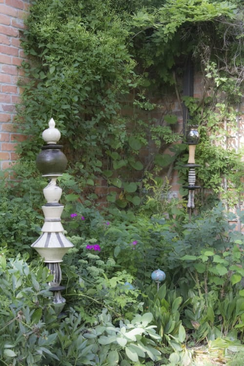 Sculptures by Catharina Goldnau Ceramics seen at Private Residence, Toronto - Pyramids