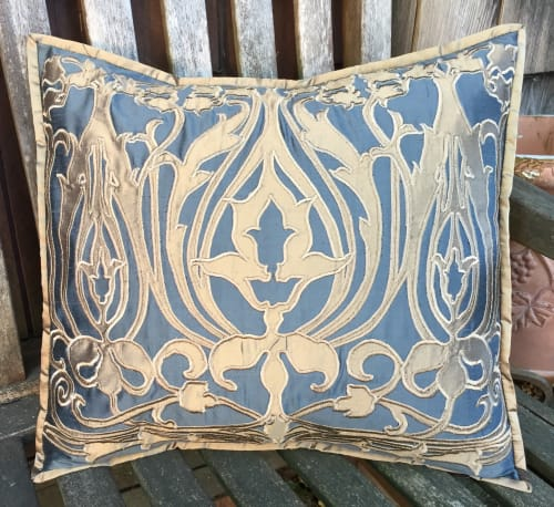 Pillows by APPLIQUE ARTISTRY seen at Creator's Studio, Fairfax - Wende Cragg