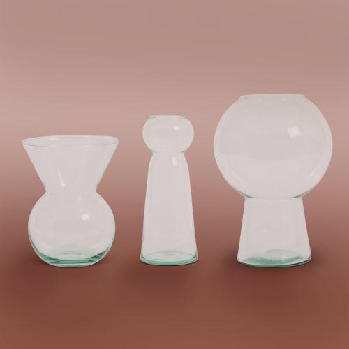 Vases & Vessels by Mieke Cuppen seen at Flotte conceptstore, Deventer - Totem Vases