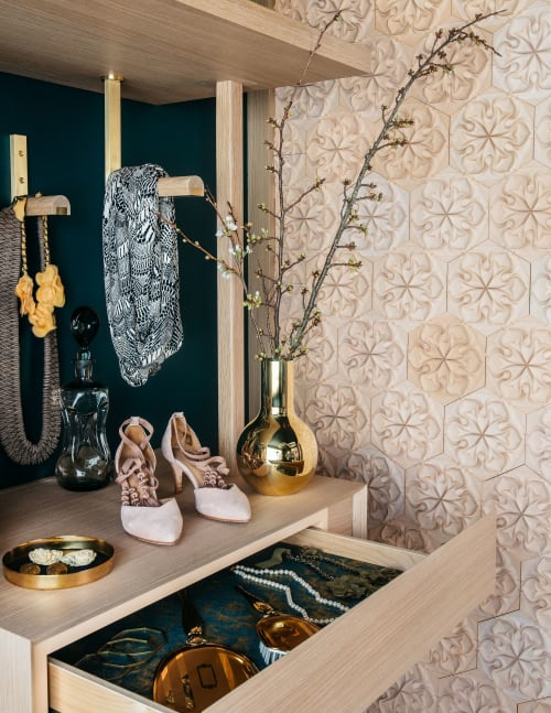 Interior Design by MODTAGE design seen at Private Residence, San Francisco - 2018 San Francisco Decorators Showcase  'A DAY IN HER SHOES'
