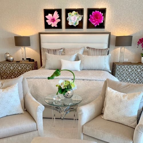 Sculptures by Emily M Randolph Fine Art seen at Private Residence, Las Vegas - Dewdrops