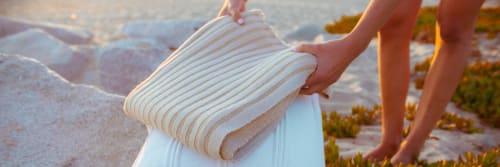 bläanks - Pillows and Linens & Bedding