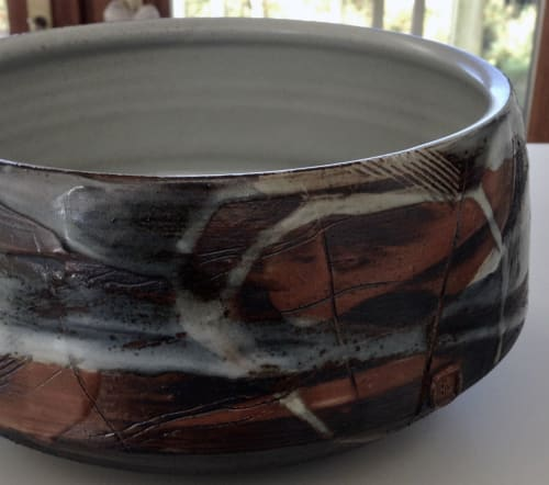 Tableware by Rory Shearer seen at Private Residence, Al Rideem - Stoneware Bowl.