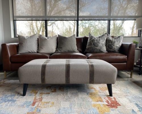 OTTOMN - Benches & Ottomans and Pillows