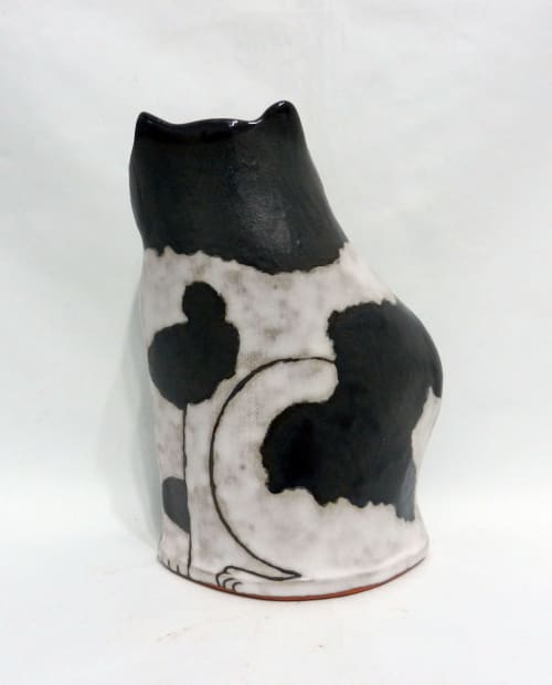 Art & Wall Decor by Yen-Ting Chiu Ceramics seen at Macon, Macon - Cat Vases