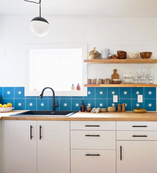 Tiles by Zia Tile seen at Casa Joshua Tree, Joshua Tree - Nova Cobalt+White Tile