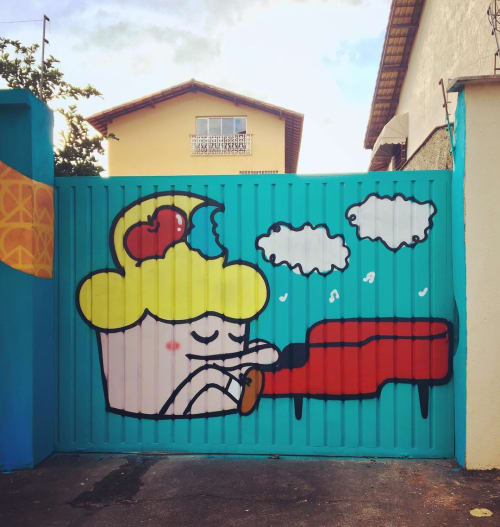 Street Murals by Bolinho seen at ECA - Culture and Art Space, Mangabeiras - Cupcake Mural