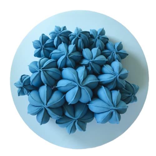 Petit Pachanoi - Blue | Sculptures by Sienna Martz