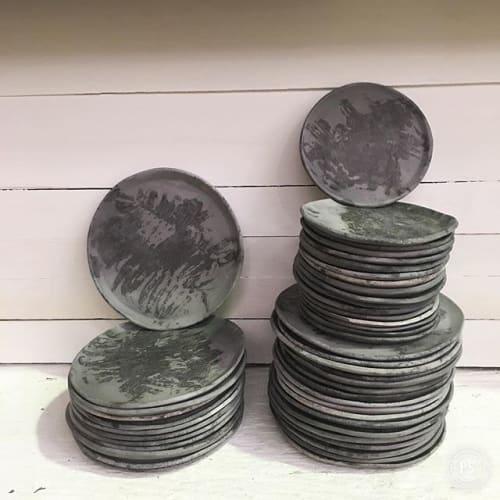 Ceramic Plates by Elisa Bartels seen at Restaurant David Toutain, Paris - Black fired ceramic plates
