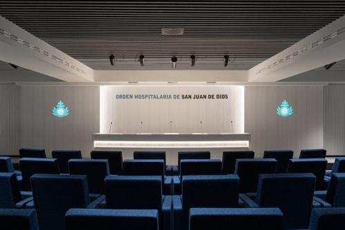 Interior Design by Paco Lago Interioriza seen at Hospital San Juan De Dios, Granada - Salón de Actos SJD