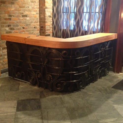 Interior Design by Red Metal seen at Bluegreen Vacations Club La Pension, Ascend Resort Collection, New Orleans - registration desk