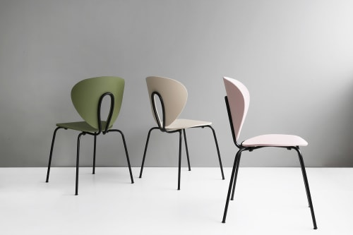 Chairs by STUA seen at Kamon, València - Globus Chair