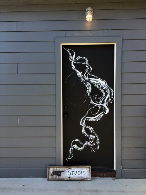 Street Murals by Rowan Willigan seen at Private Residence, Clermont, Clermont - Abstract outdoor art studio door