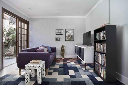 Interior Design by Mariana Camara Martini seen at Private Residence, Laranjeiras - LARANJEIRAS | Young apartment