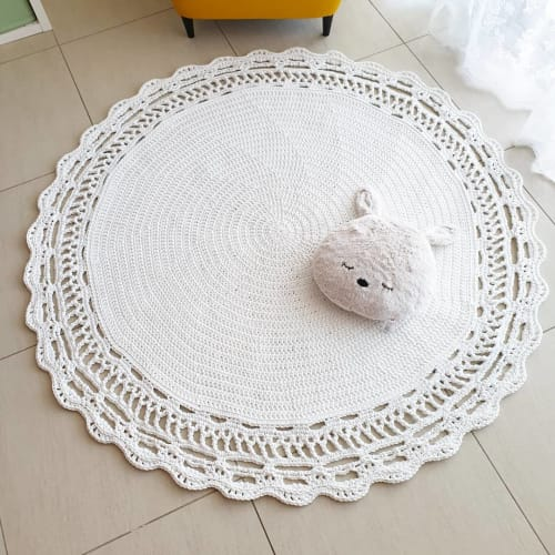 Rugs by MarryKate, @crochet.knit and macrame designer seen at Private Residence, Abu Dhabi - Luxury round rug