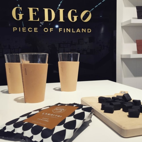 Gedigo - Benches & Ottomans and Art
