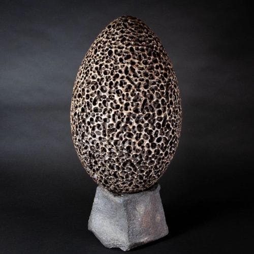 Sculptures by Simon van der Ven seen at Private Residence, Camden - Egg (Head) IXX Stoneware