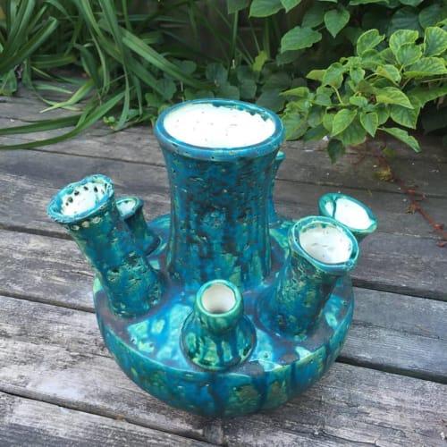 Vases & Vessels by Catharina Goldnau Ceramics seen at Private Residence, Toronto - Ceramic Vase