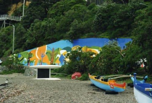 Murals by Andrew Crummy seen at Balaena Bay - Baleana bay mural