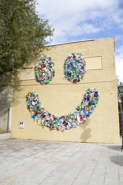 Street Murals by Octavi Serra seen at San Cristóbal, Madrid - Smile mural