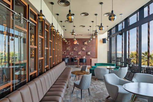 Pendants by Mineheart seen at Ketch Up Dubai Restaurant, دبي - King Edison Ghost