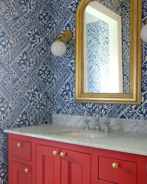"Wallpaper by Meg Braff Designs seen at Private Residence, New York - ""Loggia"" in Navy on White"