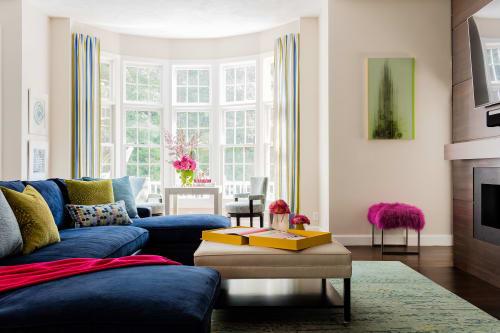 Shari Pellows Interiors - Interior Design and Renovation