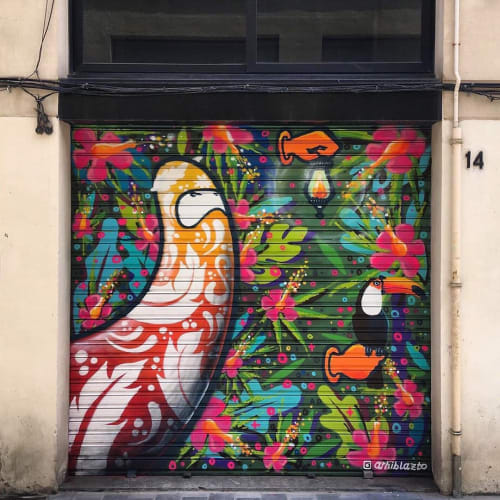 Street Murals by Arhiblazto seen at Barcelona, Barcelona - Flower mural