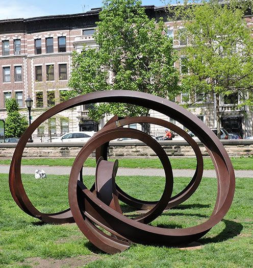 Public Sculptures by Carole Eisner seen at Prospect Park, Brooklyn - Zerques