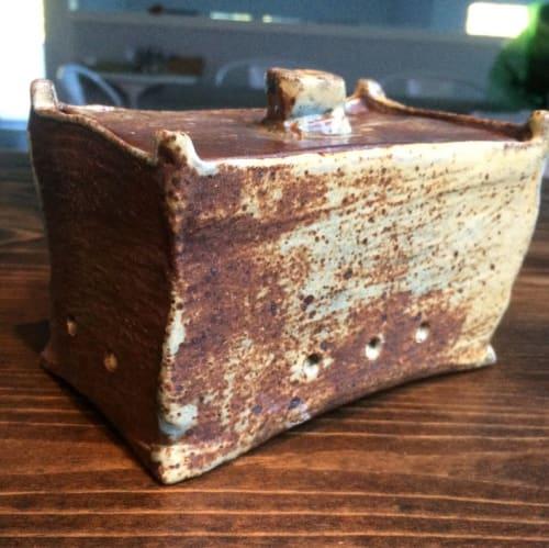Garlic Box | Tableware by Linda Peterson | Mud 'n Biscuits Ceramics