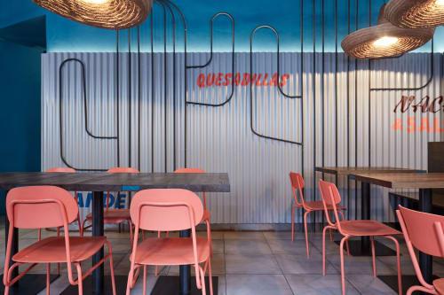 Burrito Loco Seifertova, Restaurants, Interior Design