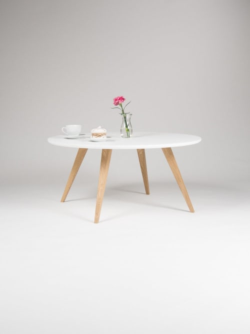 Tables by Mo Woodwork seen at Stalowa Wola, Stalowa Wola - White round coffee table, with solid oak legs, scandinavian design