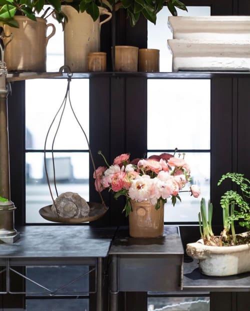 Floral Arrangements by CARL DENTON DESIGNS seen at Private Residence, Nashville - Floral arrangement