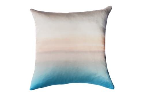 Pillows by Marie Burgos Design seen at Private Residence, New York - CAPPUCINO PILLOW