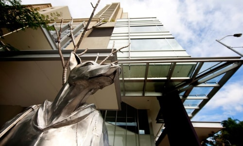 Public Sculptures by Cezary Stulgis seen at Private Residence, Brisbane City - The Guardian