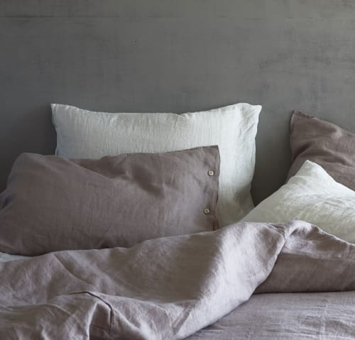 Pillows by Rough Linen seen at Private Residence, Los Gatos - Orkney Linen Sham