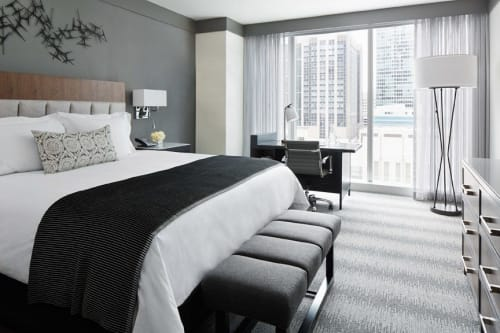 Linens & Bedding by Studio Twist seen at Loews Chicago Hotel, Chicago - Knitted Throw in Polypropylene - Accordion stitch