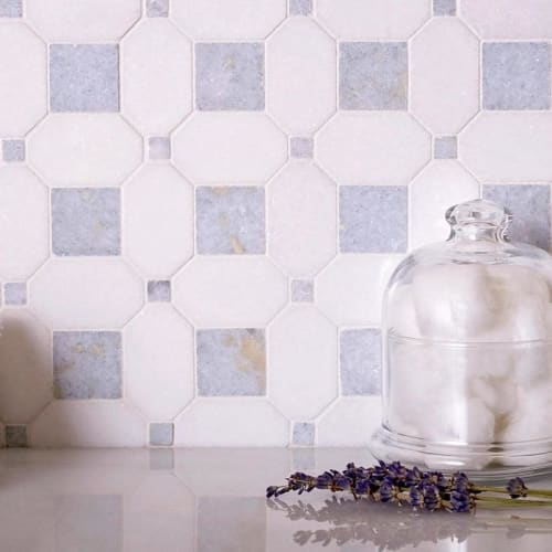 Tiles by Tile Club seen at Private Residence, Scottsdale - Thassos and Azul Cielo Marble Mosaic Tile