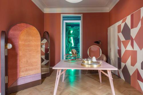 Interior Design by Haidyne Azevedo seen at Brera Design Apartment, Milano - Ela Screen