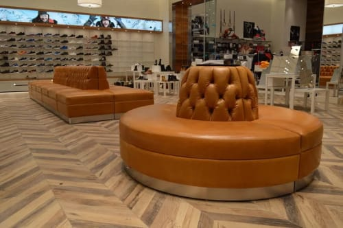 Couches & Sofas by Nappa Leather seen at Quartier DIX30, Brossard - SportingLife Banquette